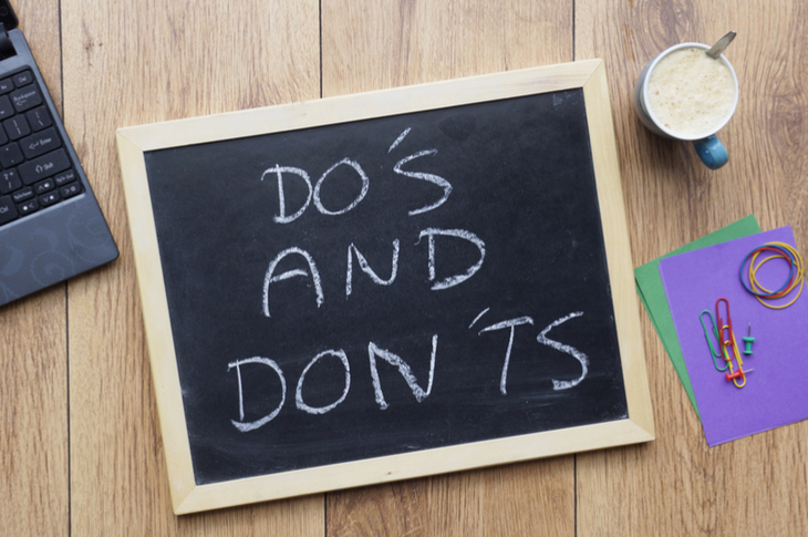 """A black slate with """"DO'S AND DON'TS"""" written with chalk - Content Marketing Dos and Donts - Scatter"""